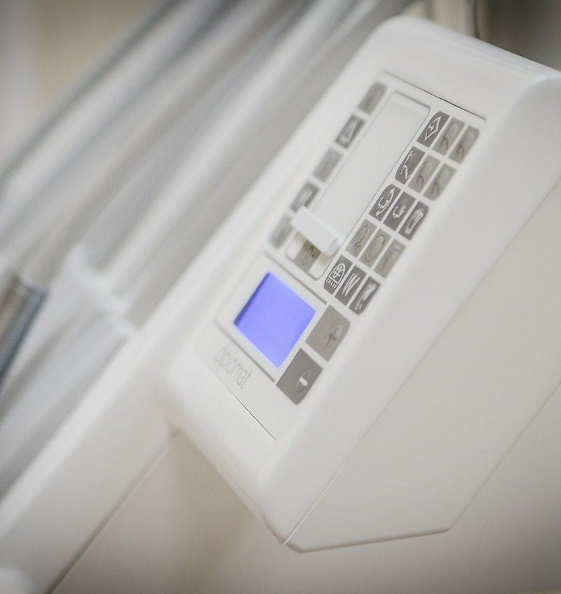 Obecna technologia wykorzystywana w salonach stomatologii estetycznej być może sprawić, że odzyskamy prześliczny uśmiech.